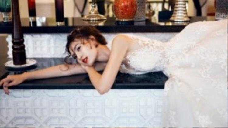 Thế là cô đã quyết định… đám cưới 1 mình cùng với chút tiếc nuối còn sót lại.