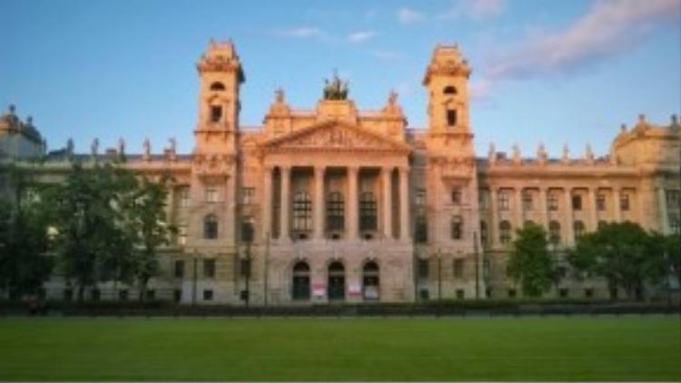 Chụp ảnh kỷ niệm tại thủ đô Hungary, Budapest.