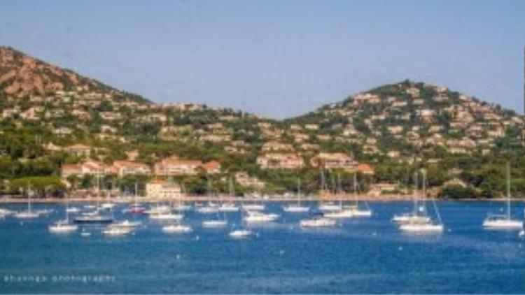 Một bức ảnh chụp từ du thuyền tại thành phố Cannes, Pháp.