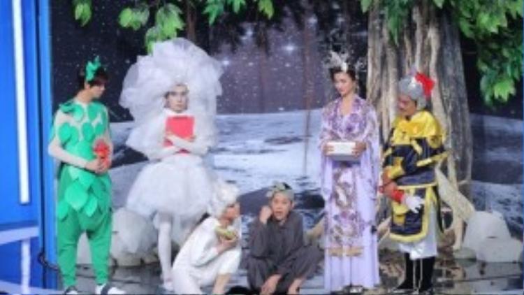 Những màn đối đáp thú vị của Hoài Linh và 4 thí sinh khiến khán giả rất thích thú.