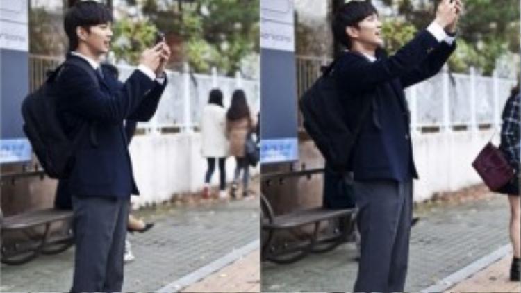 Yoo Seung Ho xuất hiện trong bộ đồng phục học sinh.
