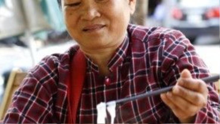 Bà Láng cho biết, cuộc sống ở Sài Gòn đắt đỏ nên bà dự định sẽ đưa Nhí về Bạc Liêu điều trị bệnh dù biết điều kiện cơ sở vật chất dưới đó không thể nào bằng thành phố.