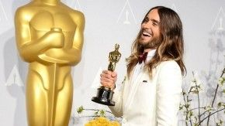 Jared Leto trong Dallas Buyers Club chiến thắng hạng mục Nam diễn viên phụ xuất sắc ở hàng loạt lễ trao giải lớn nhỏ bằng một… vai gái điếm chuyển giới.