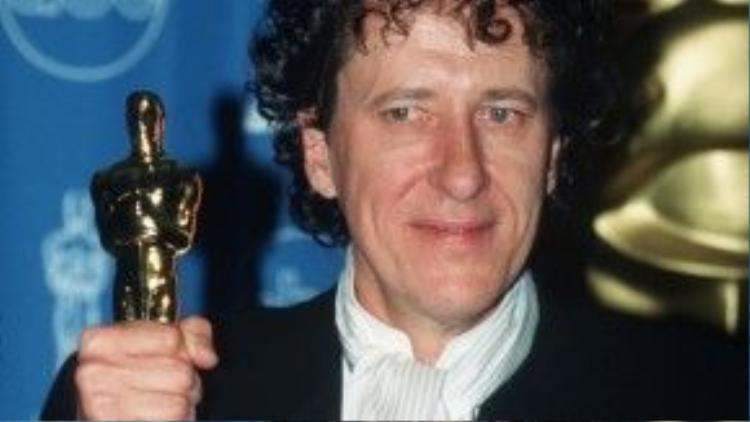 Nam diễn viên phim Pirates of the Caribbean đã thắng giải Oscar ngay lần đầu được đề cử.