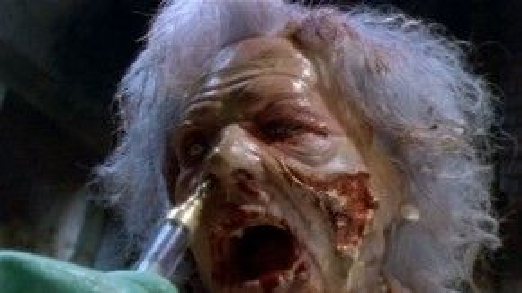 Dead Alive được liệt vào danh sách các phim kinh điển bởi tính mẫu mực của nó.
