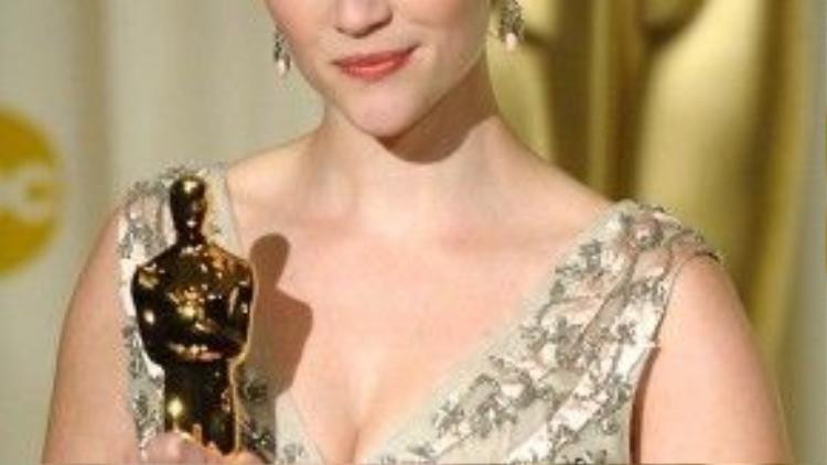 """""""Walk the Line"""" được đến năm đề cử, nhưng chỉ mỗi Reese Witherspoon được xướng tên."""
