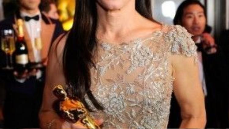 Ngay lần đầu được đề cử, Sandra Bullock đã thắng giải Oscar.