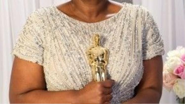 """Vượt qua cả người đồng nghiệp Jessica Chastain trong """"The Help"""", Octavia Spencer đã thắng giải vô cùng thuyết phục."""