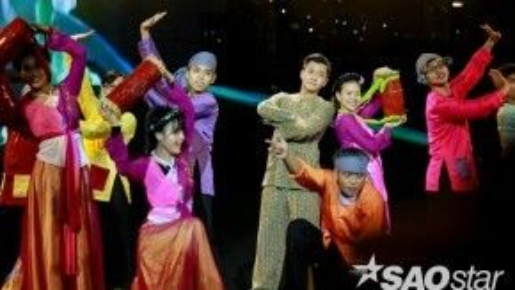 Nam ca sĩ hứa hẹn sẽ mang đến sân khấu đầy thú vị từ phần vũ đạo đến phần diễn xuất.