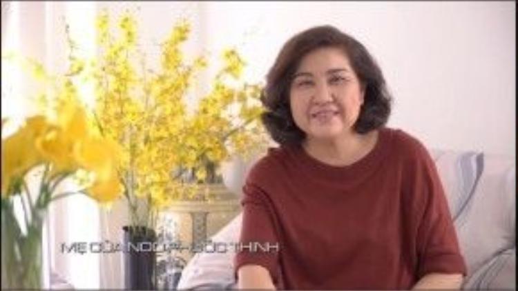 Mẹ Noo Phước Thịnh động viên con trai và hứa hẹn sẽ cùng ăn ốc với anh chàng.