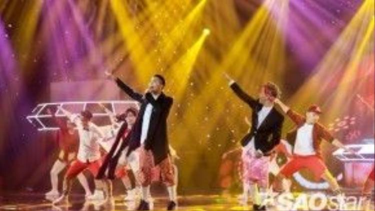Đánh trúng tâm lý khán giả với hit Về quê ăn Tết, cặp đôi Big-Tee đã có một đêm diễn thành công ngoài mong đợi.
