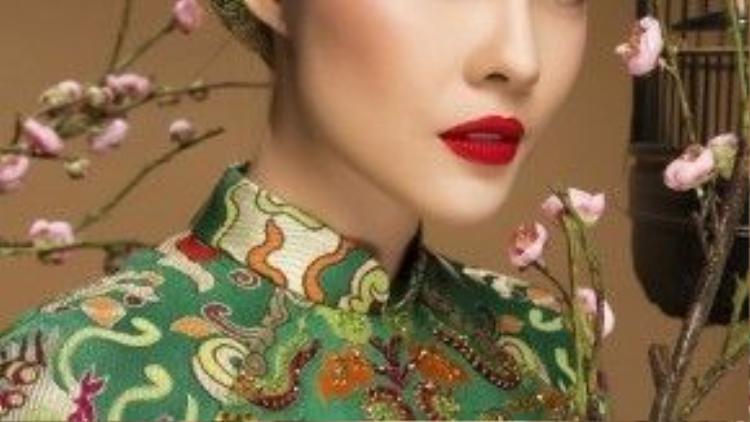 """Cách chọn lựa trang phục thể hiện được gu thời trang tinh tế, độc đáo của cô nàng. Đây cũng là xu hướng """"gây bão"""" vừa qua tại Tuần lễ thời trang 2015 khi được nhiều sao Việt và giới mộ điệu ưa chuộng."""