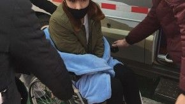 Trương Nghệ Hưng (Lay EXO) phải về Hàn Quốc điều trị chấn thương