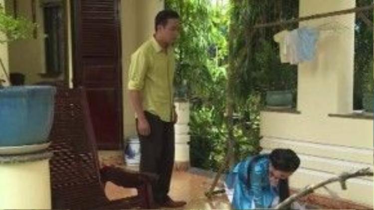 Dù lặn lội tìm được con về cho Thế Khải, Trinh Trinh vẫn bị hiểu lầm và bị chồng đánh mắng nhiếc móc.