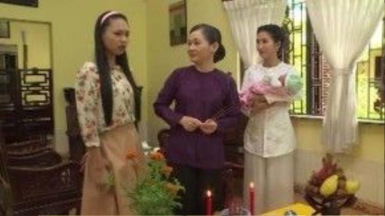 Ba người phụ nữ trong gia đình Thế Khải đã thực sự đứng bên nhau