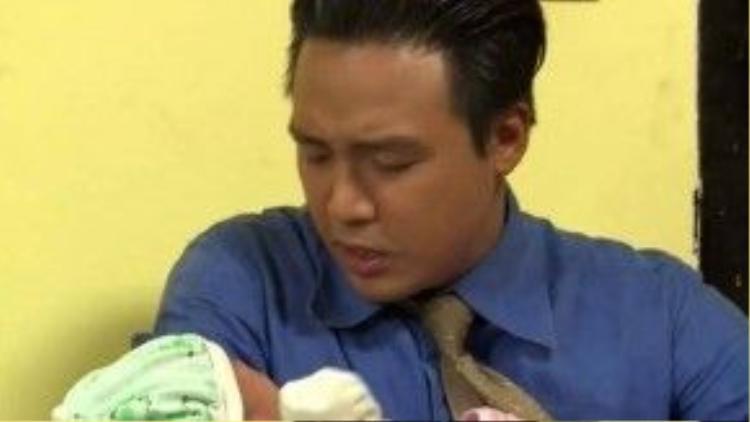 Nhận ra đứa bé mà mình hắt hủi kia lại chính là con gái thất lạc của mình, Thế Khải vô cùng ngỡ ngàng.