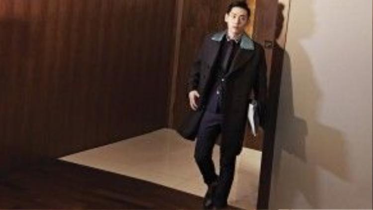 Năm 2009, Teo Yoo trở về Hàn Quốc để tiếp tục phát triển sự nghiệp điện ảnh. Thời gian đầu, việc hòa nhập với văn hóa quê nhà sau nhiều năm xa cách đã tạo cho anh không ít khó khăn.