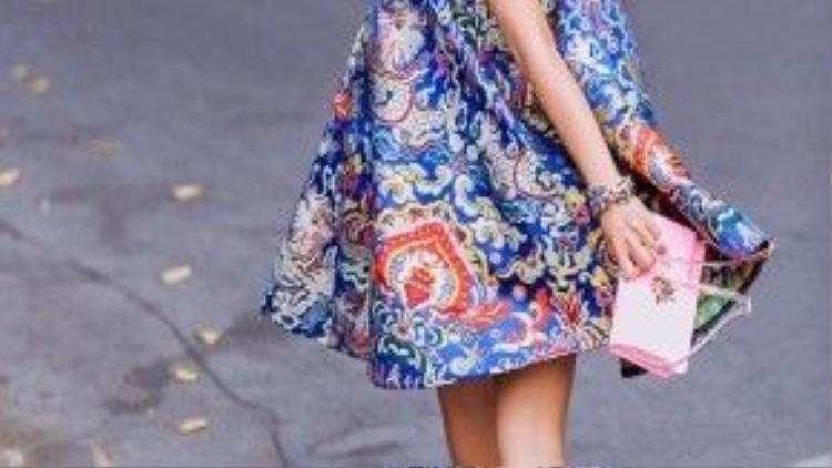 Một Đoan Trang cá tính, hiện đại nhưng vẫn rất duyên dáng và truyền thống cũng là những gợi ý về trang phục đầu năm mới rất đáng quan tâm của những cô gái thành thị tự tin.