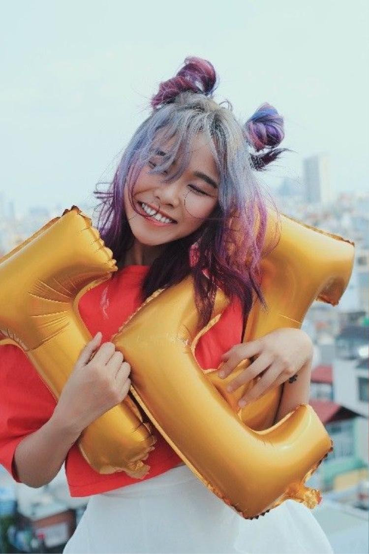 Trương Thảo Nhi khoe nét Xuân với váy ngắn đáng yêu