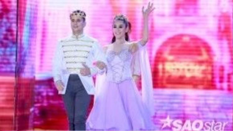 Nữ ca sĩ đem ước mơ của mình vào bài nhảy trình làng khán giả trong đêm thi đầu tiên.