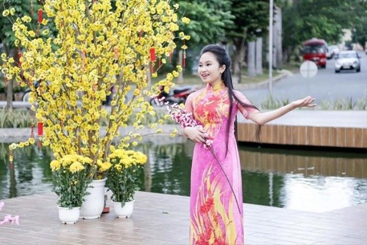 Trang Pháp khoe Nét đẹp Á Đông trong MV mới