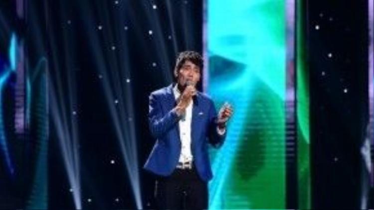 Với giọng hát chân quê mộc mạc, Nguyễn Hoàng Thuận là thành viên tiếp theo của đội HLV Quang Linh.