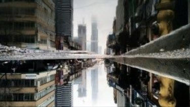 """""""Tấm gương"""" huyền ảo khiến chúng ta không khỏi tự hỏi đâu là thật, đâu là giả."""