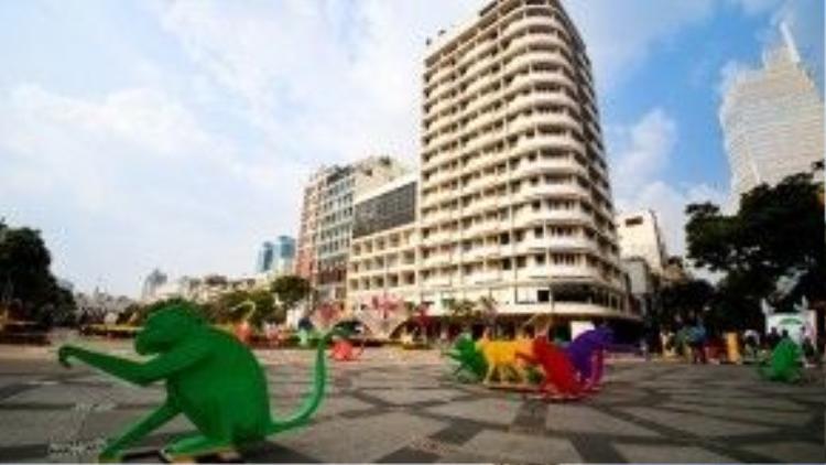 Đường hoa Nguyễn Huệ năm nay tăng thời gian phục vụ khách đến mùng 5 Tết (nhiều hơn một ngày so với các năm trước).