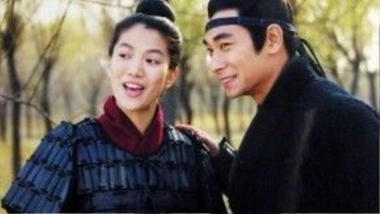 Cặp đôi Viên Vịnh Nghi và Triệu Văn Trác khiến khán giả bấn loạn.