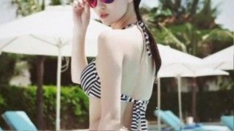 Những tấm ảnh bikini của Khánh My đều khiến cánh mày râu phải xao xuyến.