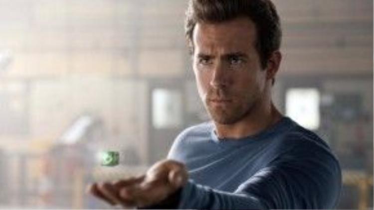 Mặc dù đẹp trai nhưng vai Green Lantern của Ryan vẫn không thể chấp nhận được với các fan.