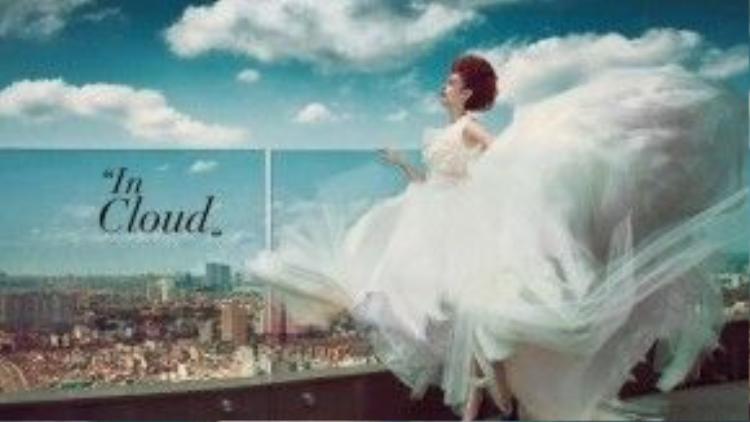 Tiếp tục với màu tóc đó, cô chọn bối cạnh nền nã của không gian và kết hợp cùng chiếc váy cưới trắng muốt khiến mái tóc nổi bật thực sự trong shoot ảnh này.
