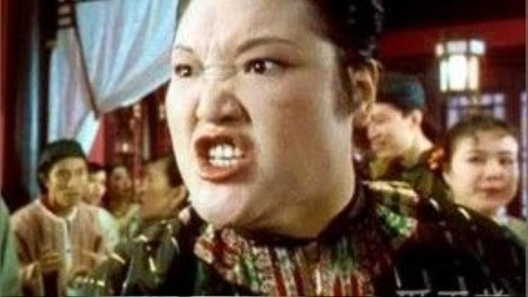 Nữ diễn viên kỳ cựu Lữ Phân với những vai diễn hung hãn trong phim Châu Tinh Trì.