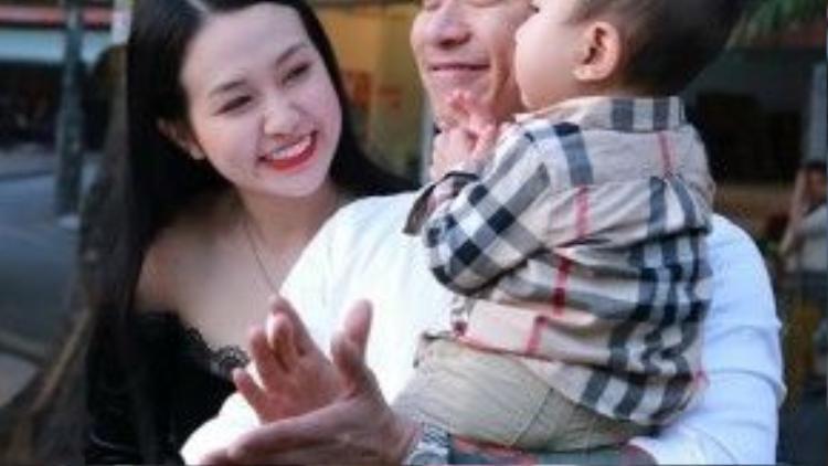 Ca sĩ Tuấn Hưng nói anh luôn cầu tiến trong vai trò người chồng, người cha của gia đình.