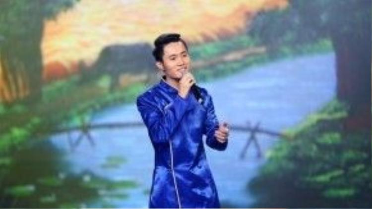 Ca sĩ Tuấn Hoàng - giọng hát nam xuất sắc nhất của Solo cùng Bolero mùa 2.