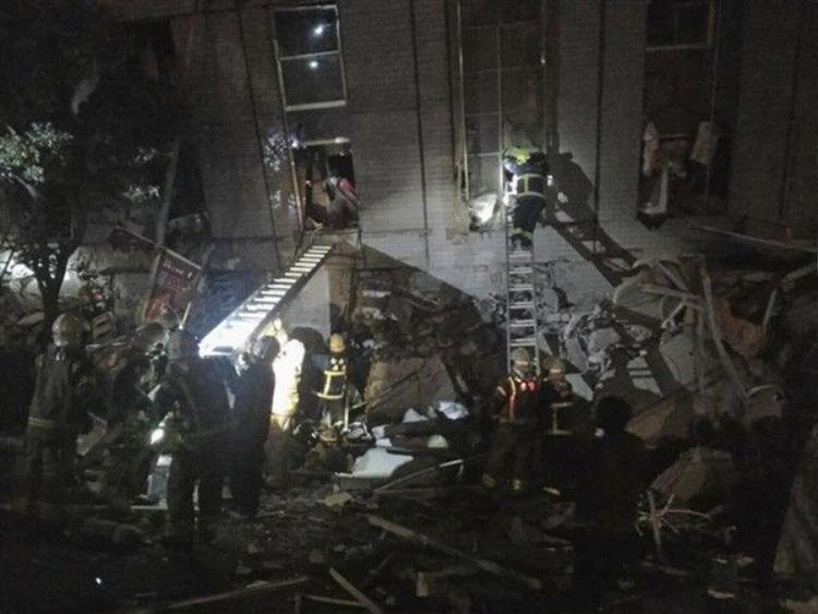 Khung cảnh kinh hoàng sau vụ động đất 6,4 độ Richter rung chuyển Đài Loan