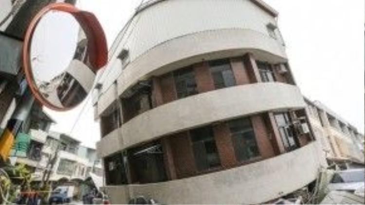 Đài Loan nằm trên Vành đai lửa Thái Bình Dương, gần nơi giao nhau của hai mảng kiến tạo nên thường phải hứng chịu động đất