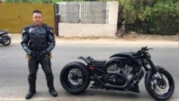 Anh Đức Tào Phớ - biker nổi tiếng với nhiều mẫu xe độ độc đáo.