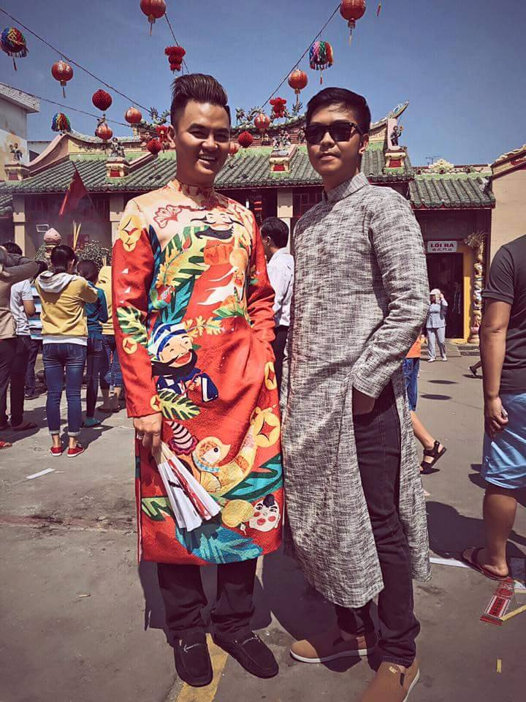 Giới trẻ Sài thành xúng xính áo dài đi lễ chùa đầu năm