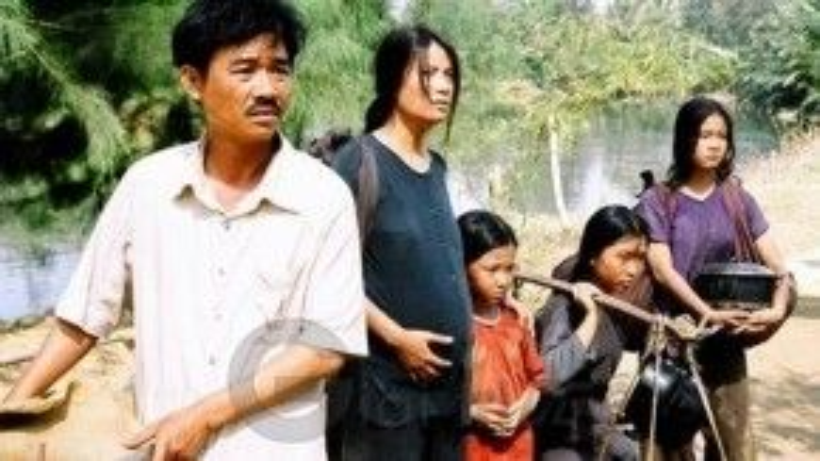 """Quốc Khánh vào vai chàng gù, đóng cặp Trương Ngọc Ánh trong """"Áo lụa Hà Đông"""""""
