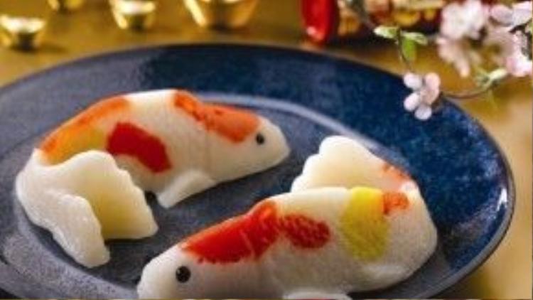 """Ngày nay, bánh Nian Gao đã được """"biến thể"""" thành những tạo hình khác nhau, đầy màu sắc và độc đáo."""