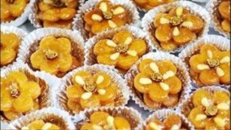Bánh kẹo gừng truyền thống Hangwa được tạo hình như những cánh hoa thơm nồng và ấm áp. Thành phần phổ biến trong Hangwa là bột mì, mật ong, dầu mè, đường, trái cây hoặc gừng.