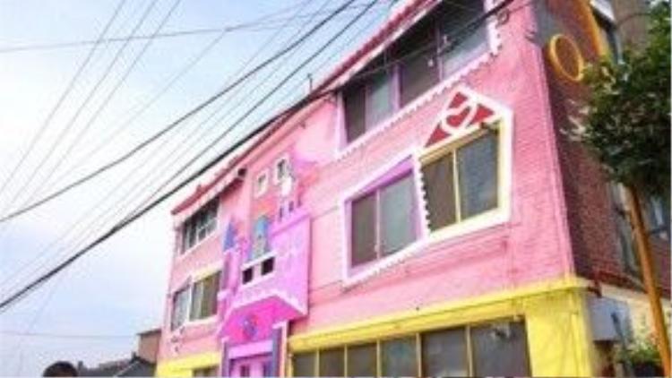 Chỉ một chút biến tấu, khu nhà ổ chuột đã biến thành một thiên đường mà ai cũng mong muốn sở hữu.