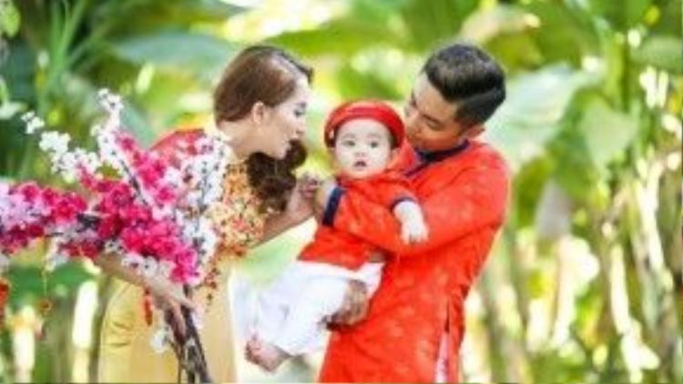 Năm nay, Khánh Thi - Phan Hiển rất hạnh phúc khi có thêm thành viên mới trong gia đình nhỏ của mình.