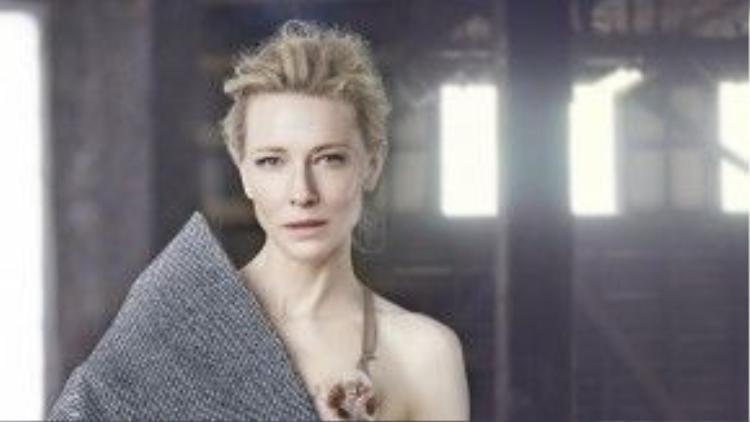 Cate Blanchett nhận được đề cử Nữ diễn viên phụ xuất sắc cho I'm Not There và đề cử Nữ diễn viên chính xuất sắc cho Elizabeth: The Golden Years hồi năm 2008. Với khả năng thắng nhân hai, nhưng minh tinh người Úc vẫn ra về trắng tay.