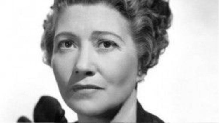 Fay Bainter đã thắng tượng vàng hạng mục Nữ diễn viên phụ xuất sắc cho vai diễn trong phim Jezebel năm 1939. Bên cạnh đó, cố diễn viên còn được đề cử giải Oscar hạng mục nữ chính với phim White Banners.