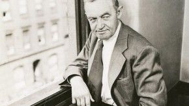 Barry Fitzgerald được đề cử hai hạng mục diễn xuất với vai của mình trong Going My Way năm 1945. Ông đã thắng giải Nam diễn viên phụ xuất sắc, nhưng sau đó Viện Hàn lâm thay đổi quy định về việc nhận hai đề cử trong cùng một phim là không ổn thỏa.