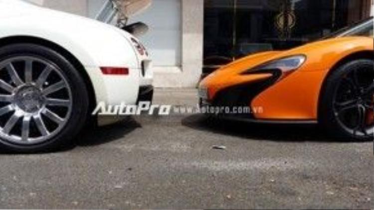 Bugatti Veyron và McLaren 650S Spider đều là những siêu xe thuộc diện độc nhất vô nhị tại thị trường Việt Nam.
