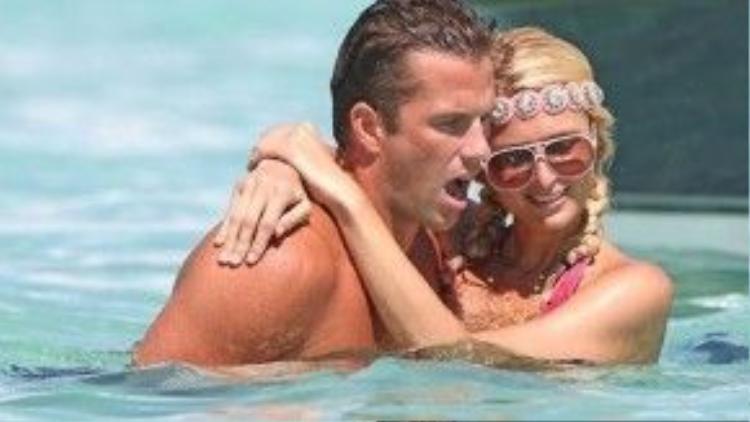 Paria Hilton và tình nhân từng đến Bora Bora vào năm 2009 trước khi chia tay anh chàng.