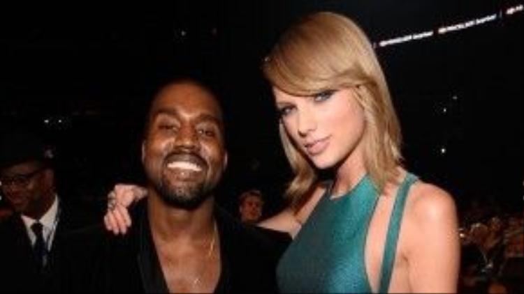 Kanye West một lần nữa nhận gạch đá vì bài hát gây tranh cãi.